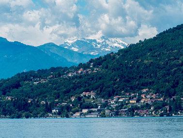 Blick vom Rocca di Caldè über den Lago Maggiore