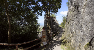 Zugbrücke u. Burgjungfrau