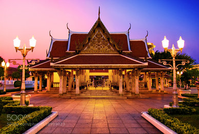 Wat Ratchanatdaram (Temple of the Royal Niece)