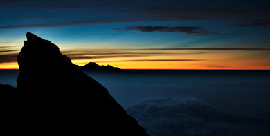 6 AM, Agung summit