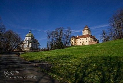 Schloss und Mausoleum Ehrenhausen