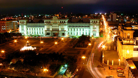 Guatemala de Noche (at Night)