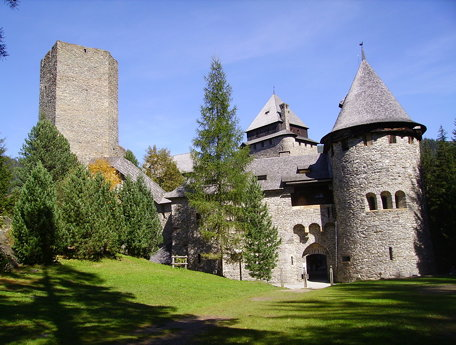 Burg Finstergrün (castle dark green)