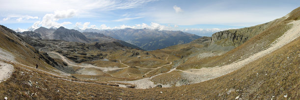 Panoramic view on the trail up to Bella Tola