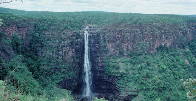 Konko - Lofoi Falls