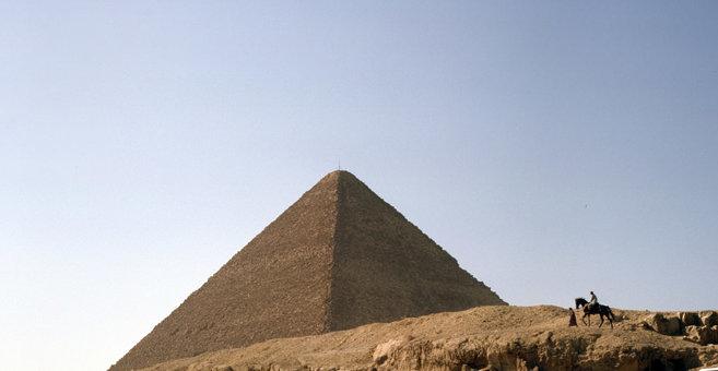 Giza - Pyramid of Khafre