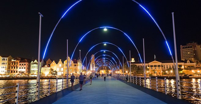 Willemstad - Queen Emma Bridge
