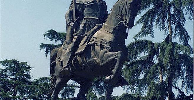 Tirana - Skanderbeg Monument (Tirana)