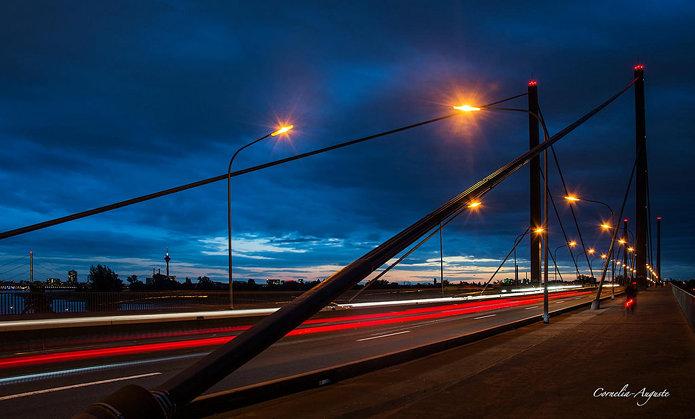 Theodor-Heuss-Brücke..