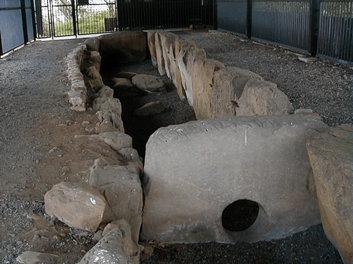 Züschen (megalithic tomb)