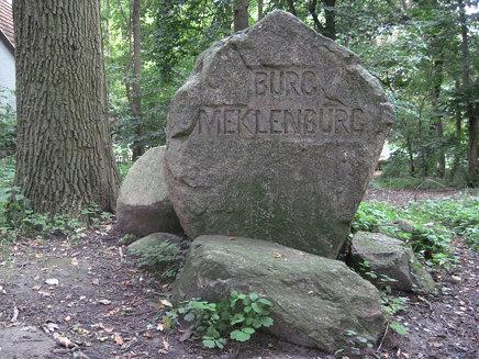 Dorf Mecklenburg - Monument for the former castle Meklenburg