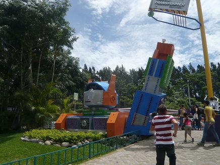 La Cuidad Transformer at Parque Diversiones