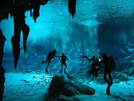 Cenote Zacatón 4