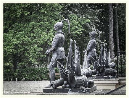 Gedenkstaette Heldenberg, NOE: vor der saeulenhalle | 2015-05