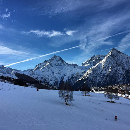 What a #beautifulday to #ski - #mountain #2alpes #sky