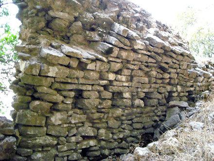 Araklovon Castle
