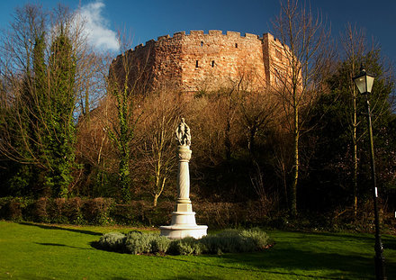 Tamworth castle - side view