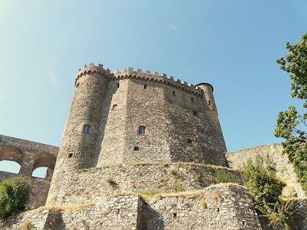 Замок Фосдиново