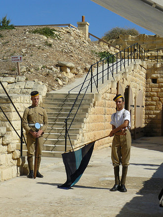 Fort Rinella, Kalkara - re-enactors & signaling demonstration