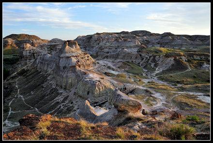 Rugged Badlands Landscape - Dinosaur Provincial Park