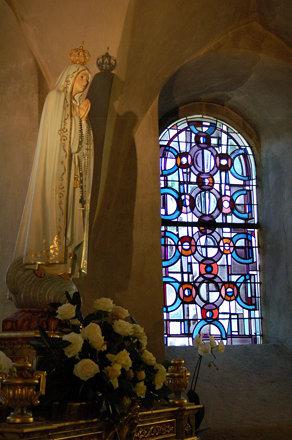 Mariabeeld in de St. Willibrord basiliek. Echternach.