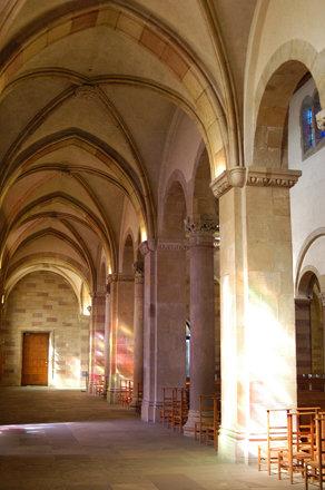 Interieur St. Willibrord basiliek. Echternach.