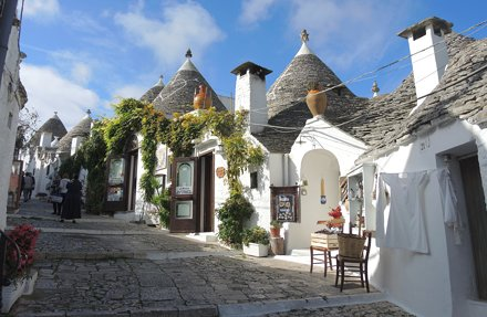 Italy (Alberobello) Beauty of Trulli shops