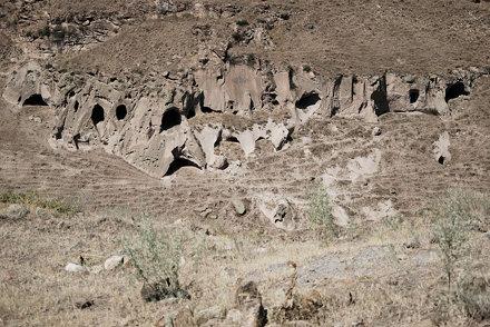 Höhlen in Ani
