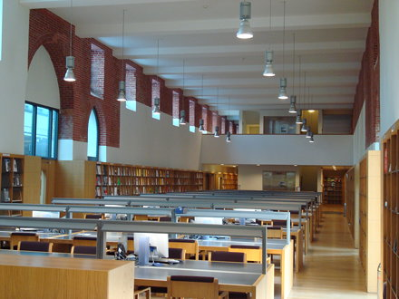 Campusbibliotheek Arenberg: interior view of large reading room toward the southern mezzanine