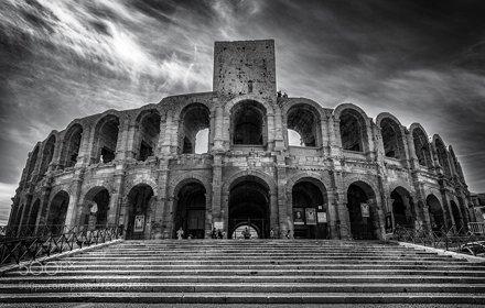Arles, Les Arènes