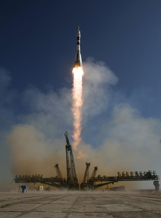 Expedition 21 Soyuz Launch (200909300003HQ)