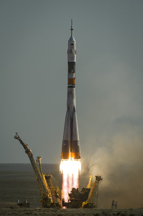 Expedition 31 Soyuz Launch 201205150004HQ)
