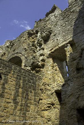 Château walls
