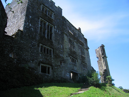 Berry Pomeroy Castle 001