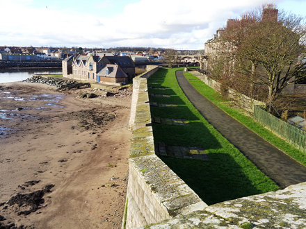 Berwick upon Tweed - Walking around Town Walls