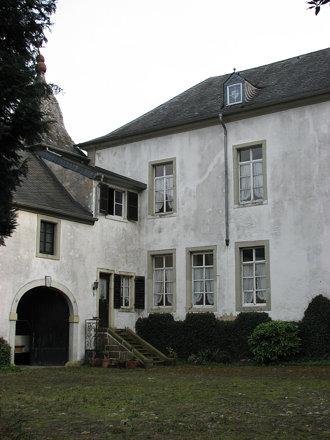 Moestroff (L) kasteel binnenplaats