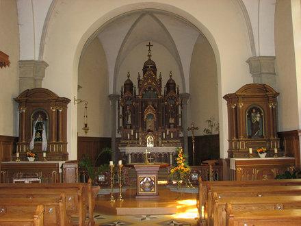 Born (L) interieur rk kerk