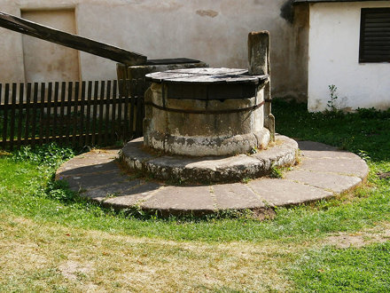 Studna na nádvoří hradu Buchlov