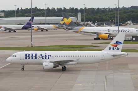 BH Air Airbus A320-211; LZ-BHJ@MAN;12.08.2016