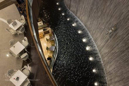 Waves of Dubai Mall