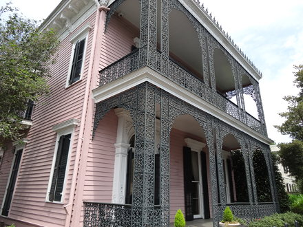 New Orleans. Lacework in Garden District