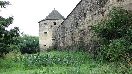 hrad Bzovík 7