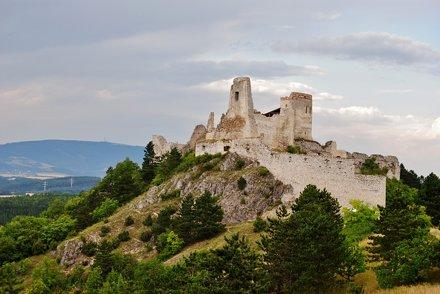 čachtický hrad20