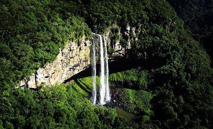 Cachoeira do Caracol, em Canela, Rio Grande do Sul.  Caracol Falls in Canela, Rio Grande do Sul.  #u