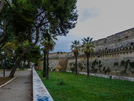 Bari Castelo Svevo Di Bari 012 20111027.jpg
