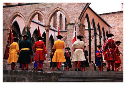 La Coronela de Barcelona al claustre del Castell de Cardona