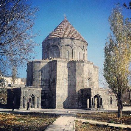 Otra iglesia armenia, esta convertida en mezquita