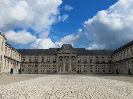 Quel est ce lieu??? Il s'agissait du château (XVIIIe) de Commercy (55)