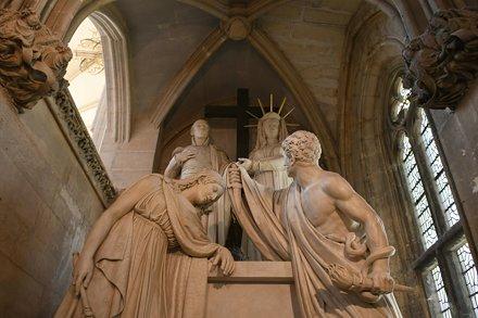 Sainte-Chapelle de Vincennes, Tombeau du duc d'Engheim