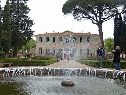 Par Isa Rabarot, garden party, château de la Mogère Montpellier